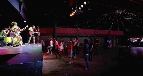 band and crowd by jeff wall
