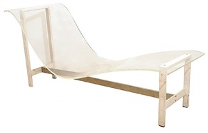 a lucite and steel travail chaise longue