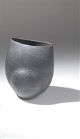 ovoid vase with spade top by hans coper