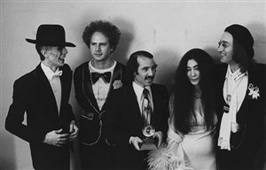 david bowie, art garfunkel, paul simon, yoko ono, and john lennon at the grammy awards, new york by ron galella