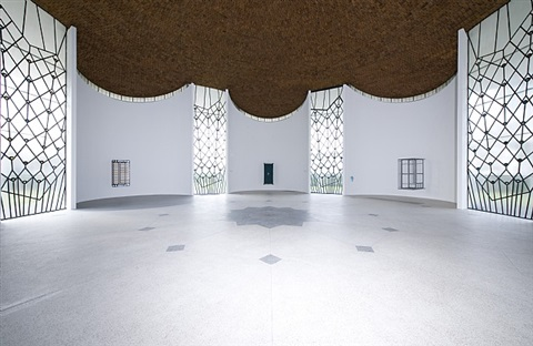 installation view xyt böhm chapel by andreas slominski