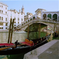hiding in the city - venice gondola by liu bolin