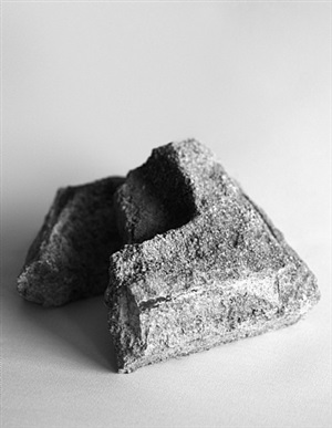bearing masonry, concrete block (1923) by dorit margreiter