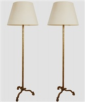 paire de lampadaires en fer forgé patiné doré / pair of floor lamps by (see also ramsey) ramsay