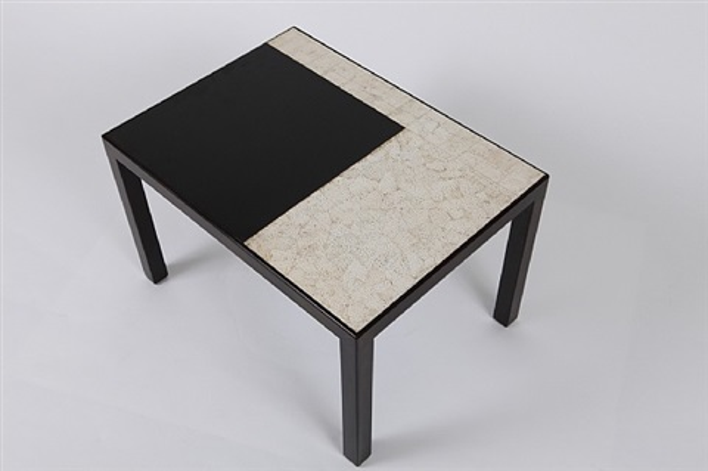 table d'appoint en laque noire nuancée de brun by jean dunand
