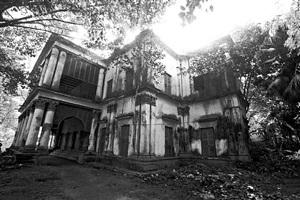 'indigo trader's mansion', uttarpara, calcutta, 2013 by prabir purkayastha