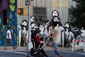 peinture murale à williamsburg, brooklyn by william klein