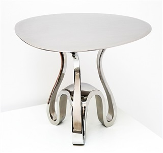 petite table by guillaume piechaud