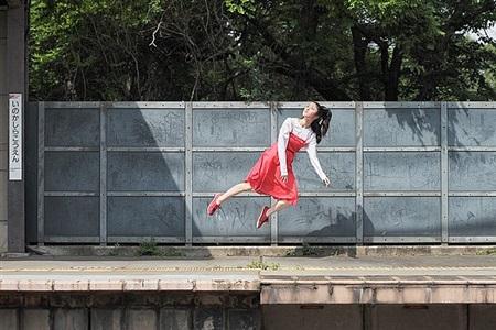 todays levitation 04292011 by natsumi hayashi
