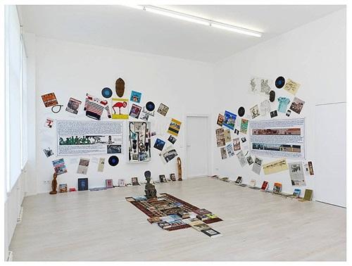 les artistes et l'écriture..! (exhibition view) by georges adéagbo