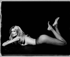 claudia schiffer by marc hispard