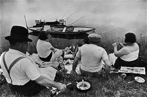 on the banks of the marne, france by henri cartier-bresson