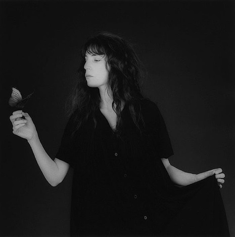 patty smith by robert mapplethorpe