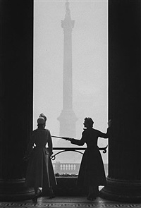 new look at the national gallery, (wenda parkinson & barbara goalen) by norman parkinson