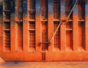 shipbreaking #47, chittagong, bangladesh by edward burtynsky