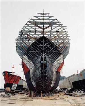 shipyard #11, qili port, zhejiang province, china by edward burtynsky