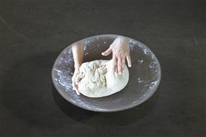 il paun da mintgadi (das tägliche brot) by evelina cajacob