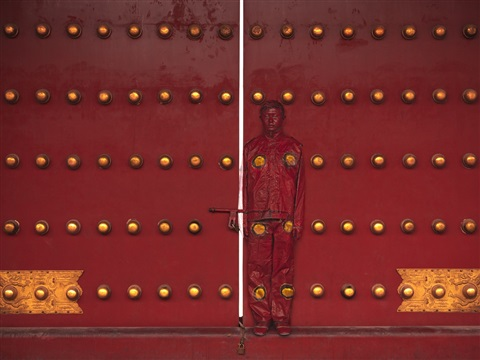 hiding in the city - red door by liu bolin