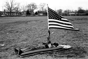 boy with flag, selma march by steve schapiro