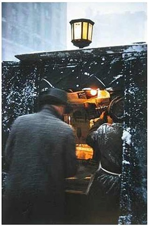 newspaper kiosk by saul leiter