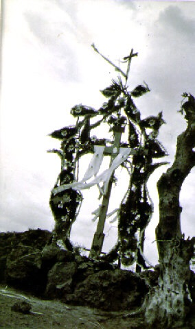 cruce de chalma (crossroad to chalma) (33197) by manuel alvarez bravo