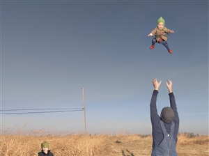 baby toss by julie blackmon