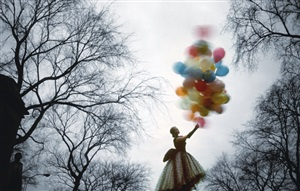 central park balloons by jerry schatzberg