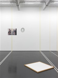hommage to michael asher, installation for a photograph