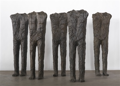 standing figures 5 by magdalena abakanowicz