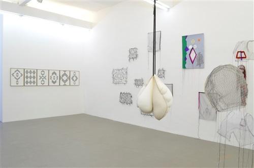 hoda tawakol, incommunicado, sfeir-semler hamburg, 2014, exhibition view