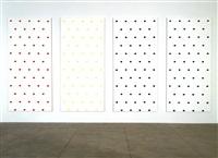 empreintes de pinceau n°50 répétées à intervalles réguliers de 30 cm by niele toroni