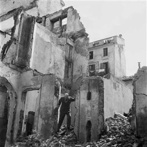 milan 1946 lucio fontana visits his studio on his return from argentina by alfredo jaar