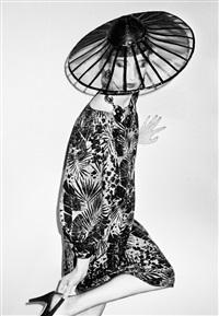 un jolie chapeau, violetta sanchez, paris by roxanne lowit
