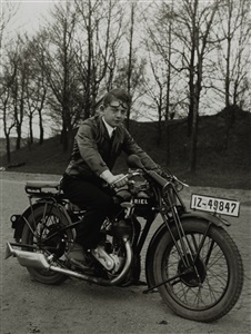 august sander cycle people of the 20th century - group 6 the city by august sander