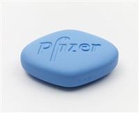 pfizer vgr 100mg (baby blue) by damien hirst