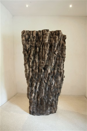 krypta by ursula von rydingsvard