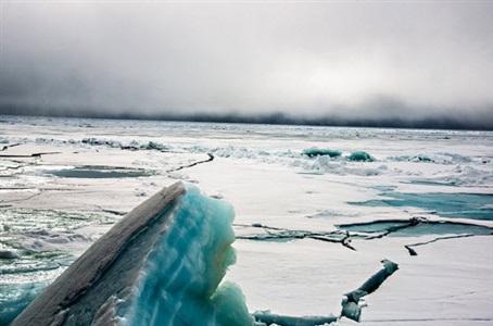 ice 107 by stefan hunstein