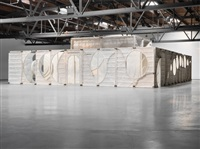 installation view: mourn room, hauser & wirth, london by thomas houseago