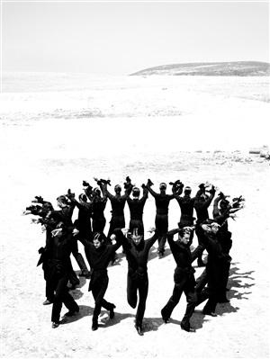 """dancers: ballet nacional de españa, ballet flamenco de andalucía, compañía antonio gades, & compañía sara baras """"cortijo alcala"""", osuna, españa by ruven afanador"""