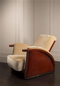 fauteuil en laque brun rouge et laque arrachée. by jean dunand