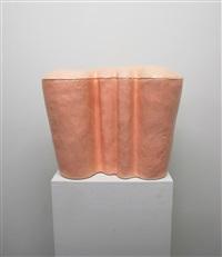 flesh tinted urn 3 by hesselholdt & mejlvang