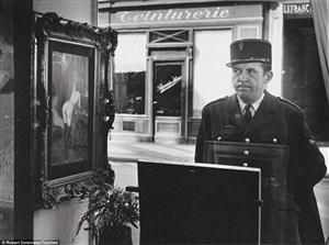 un regard oblique, in front of the gallery romi, rue de seine, paris by robert doisneau