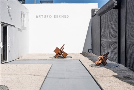 patio sculptures installation view by arturo berned