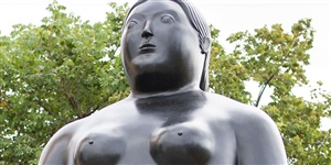 donna in piedi (detail) by fernando botero