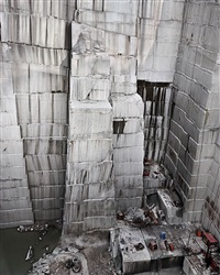 rock of ages #39, active section, e.l. smith quarry, barre, vermont by edward burtynsky