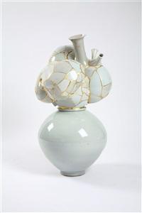 translated vase by yee sookyung