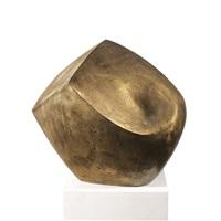 one form ii by josef pillhofer