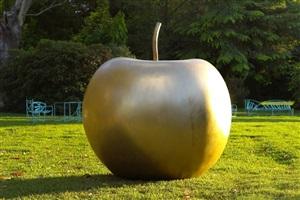 pomme d'hiver by claude lalanne