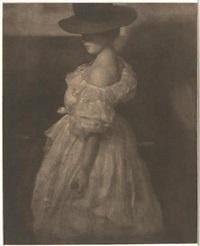 miss mary warner, study in tones iii by heinrich kühn