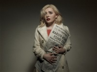 woman reacts to the death of marilyn monroe by tyler shields